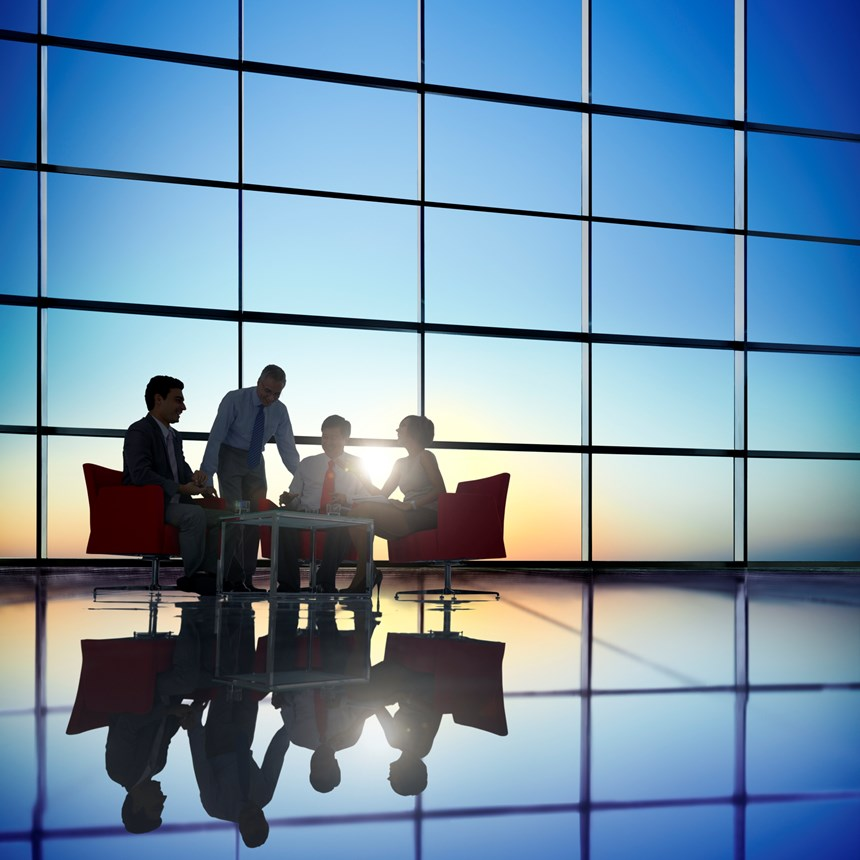 How should trustees respond to a distressed employer and weaker covenant?
